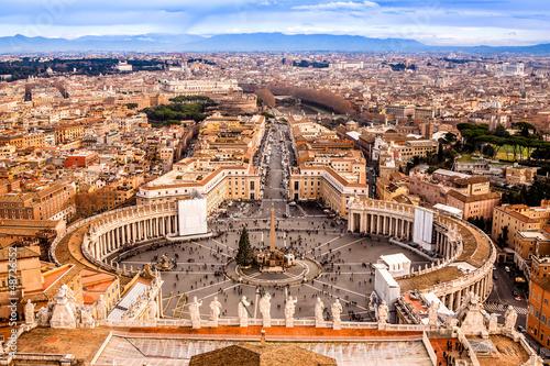 Zdjęcia na płótnie, fototapety, obrazy : Rome, Italy. Famous Saint Peter's Square in Vatican and aerial v