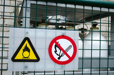 fire warning sign compress oxygen gas cylinder