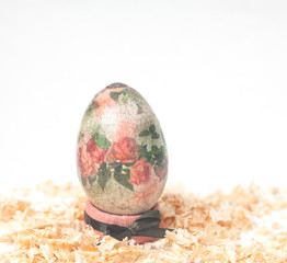 easter egg made decoupage methods