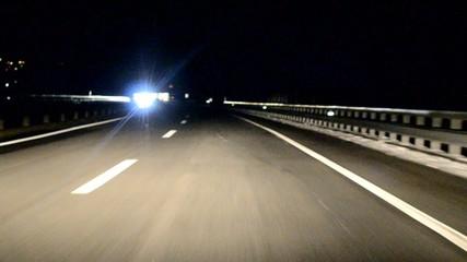 Fahrt durch die Nacht