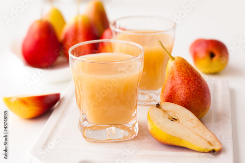pear juice and fresh pears