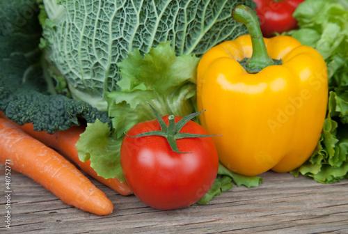 Gemüse auf Holz III