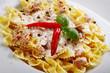 Pasta Nudeln mit Soße und Tunfisch close Up
