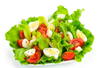 Tomato salad, eggs and mozzarella