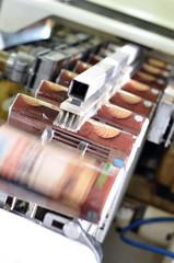 Fliessband Verpackungsmaschine Versand