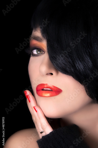Fashion Brunette Model Portrait. Makeup. Sensual Red Lips