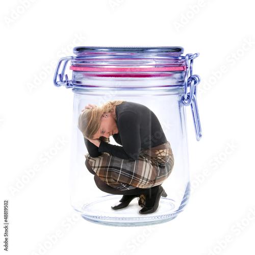 Frau im Glas