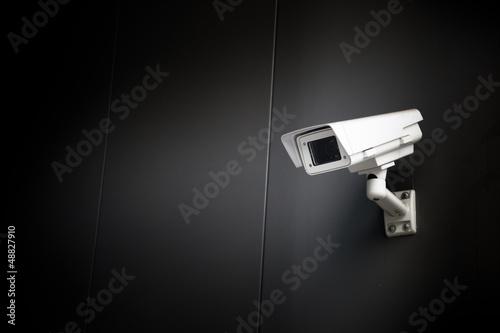 Sicherheit - Überwachung - Überwachungskamera - 48827910