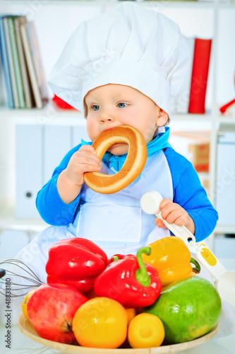 bagel eating