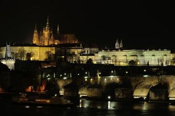 Nachtblick auf Prag