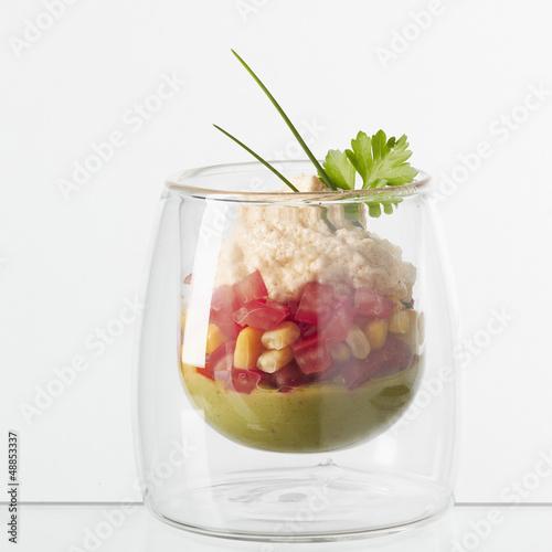 Verrine de guacamole à la mousse de crabe
