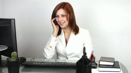 girl talking on mobil phone