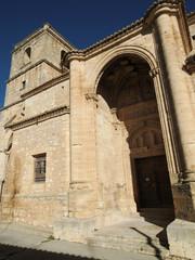 Iglesia La Trinidad de estilo Gótico en Alarcón, España.