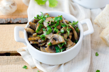 Fried mushrooms with onion