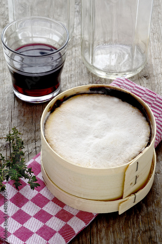 Mont d'Or cheese with red wine and thyme