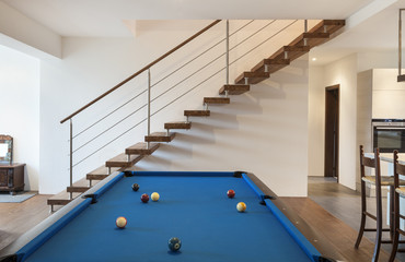 nice modern apartment, room with billiards