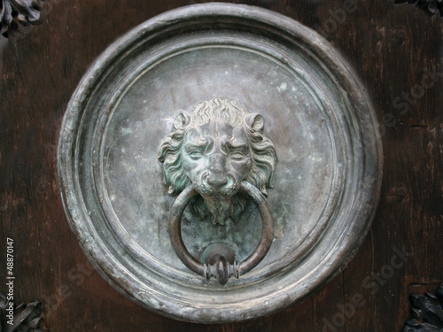 gate knocker