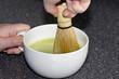 Matcha Tee aufschlagen