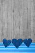 Drei Herzen aus Jeans als Glückwunschkarte in Blau