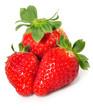 Fresas rojas sobre fondo blanco.