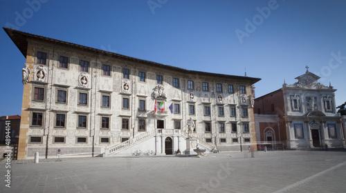 Piza, piazza dei cavalieri i normalna szkoła