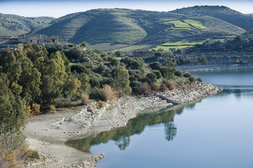 europe, italy, sicily, dam on a river