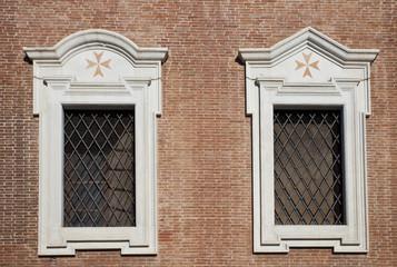 Pisa, finestre