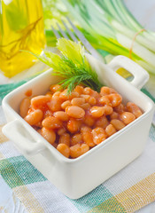 white bean with tomato sauce