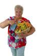 Seniorin mit frischem Obst