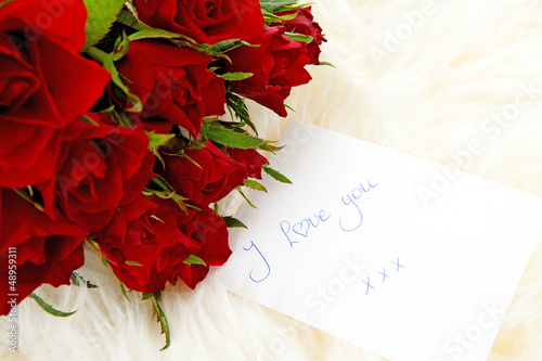 Romantic note: I love with red roses
