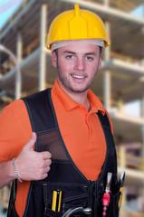 Portrait d'un jeune ouvrier du bâtiment