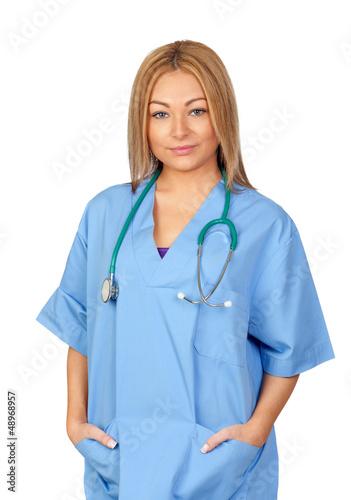 Medecin attrayant avec l'uniforme bleu