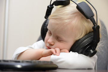 baby sleeps with headphones