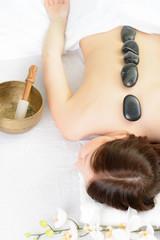 massage mit steinen