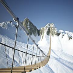 Hängebrücke im Gebirge