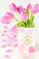 Überraschung mit rosa Tulpen