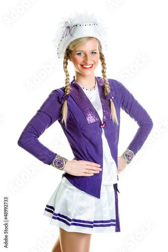 Hübsche Frau in Gardeuniform