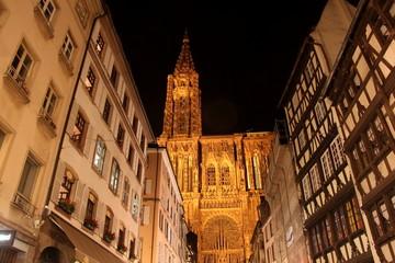 cathedrale de strasbourg la nuit