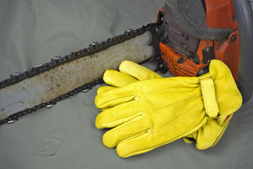 leather work gloves with chainsaw