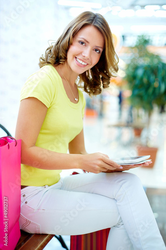 Shopper with touchpad