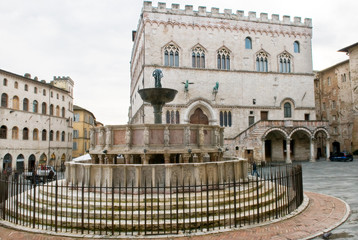 Perugia - Piazza IV Novembre con fontana maggiore