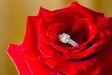 Anneau de diamant d'or et rose