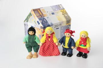 Familie mit zwei Kindern und Haus