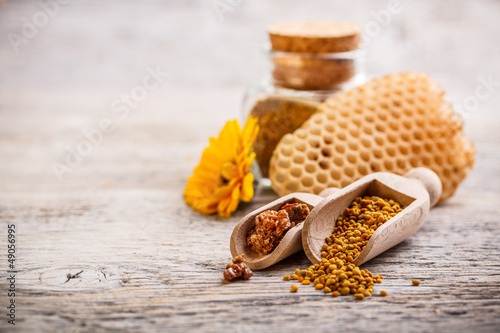 Pollen and propolis