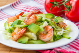 Green salad with shrimp and avocado