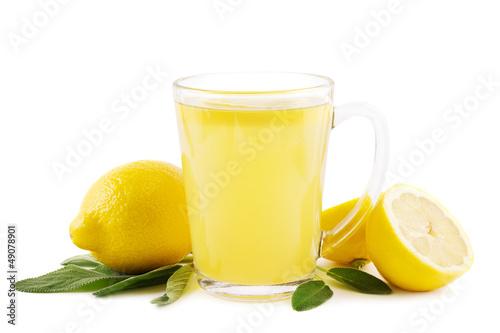 Heiße Zitrone mit Salbei - 49078901