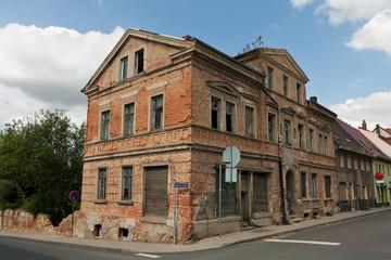 leer stehendes Haus in Sachsen