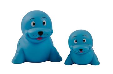 Kleiner und großer blauer Seehund