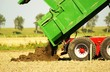 Traktor - Arbeit auf dem Feld