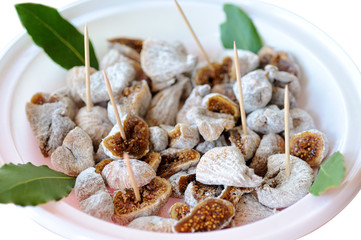 Dried figs prepared to eat